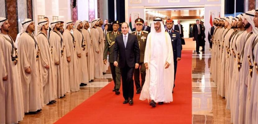 بالصور.. السيسي يبحث في أبو ظبي عدة ملفات سياسية واقتصادية على مدار يومين