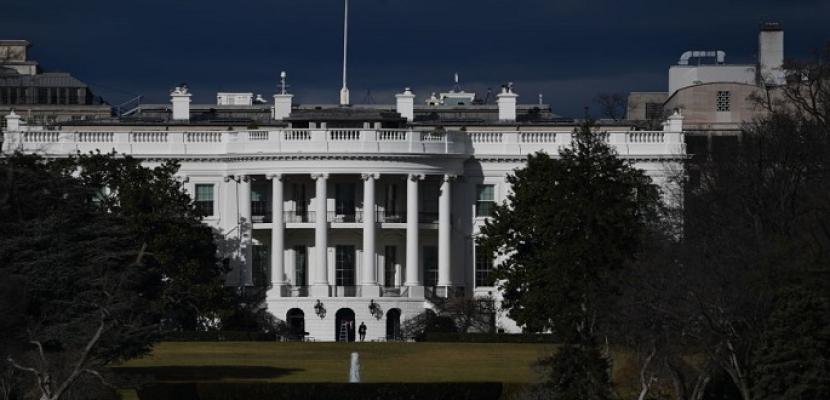 التصويت البريدي يُشعل سباق المنافسة بين الديمقراطيين والجمهوريين صوب البيت الأبيض
