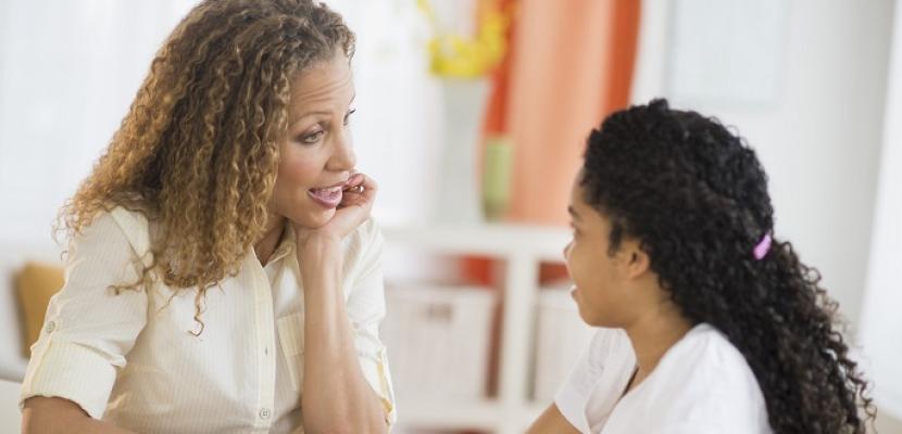 كيف تعلمين طفلك فنّ الحوار؟