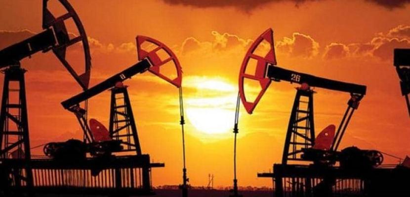 النفط ينزل فى ظل ضبابية تكتنف تعافى الطلب بفعل حالات الفيروس