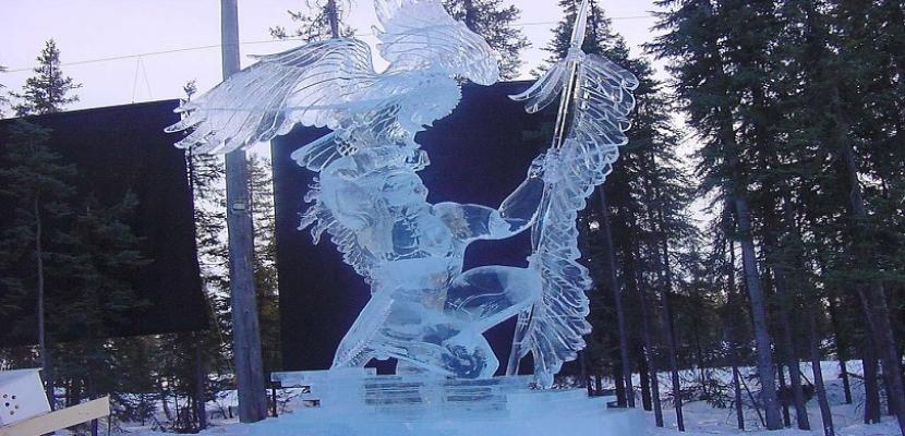 النحت على الجليد .. فن فصل الشتاء