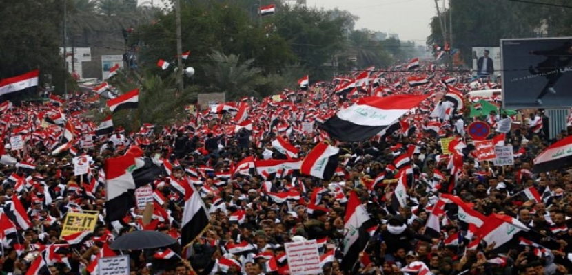 """العراقيون ينظمون مسيرة شعارها """"كلا كلا أمريكا"""" ضد الوجود العسكري الأمريكي"""