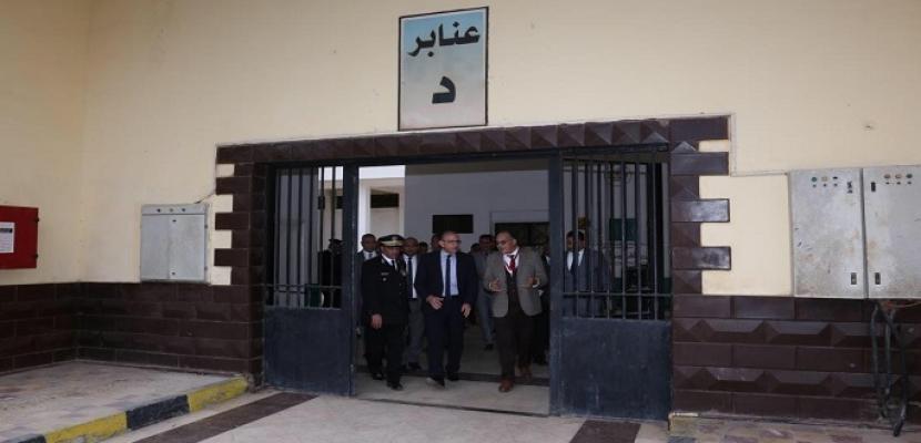 """بالصور .. """"الداخلية"""" تستقبل وفدا من مراسلي القنوات والوكالات الأجنبية والمنظمات الحقوقية بسجن المرج"""