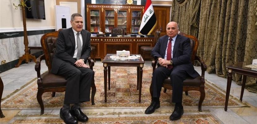 نائب رئيس الوزراء العراقي يبحث مع السفير الأمريكي جهود تشكيل الحكومة الجديدة