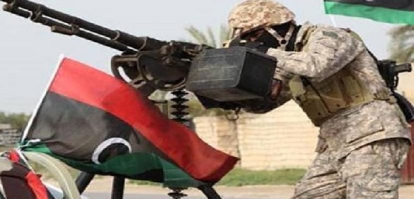 الجيش الليبي يستهدف سفينة تركية محملة بالاسلحة في ميناء طرابلس البحري