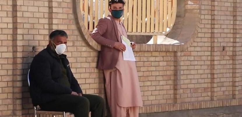 أفغانستان: ارتفاع الإصابات المؤكدة بفيروس كورونا إلى ٩٩٩٨ حالة