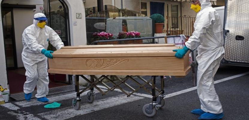 وفيات كورونا تتجاوز الـ 44 الفاً .. والفيروس مازال يضرب ايطاليا واسبانيا والولايات المتحدة بعنف