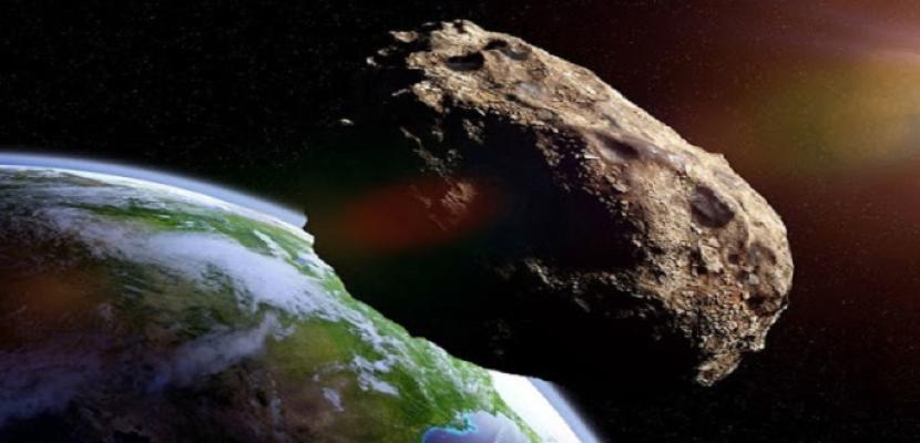 كويكب ضخم في طريقة إلى الأرض