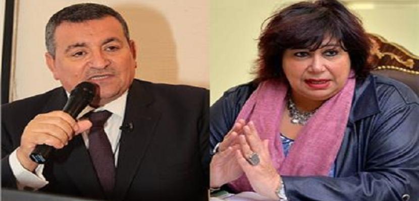 """وزيرا الثقافة والإعلام يتفقان على بث عروض """"الثقافة بين ايديك"""" على التليفزيون المصري"""