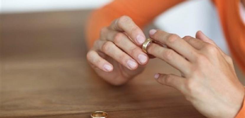بعد عزل الأزواج عن بعضهم بعضا… كورونا قد يزيد نسب الطلاق