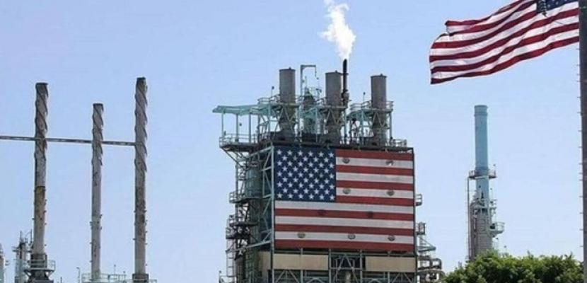 بيانات تظهر انخفاض مخزونات النفط الأمريكية وزيادة مخزون الوقود