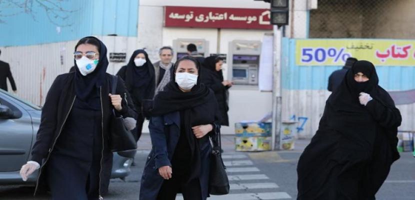 كورونا والإهمال الحكومي يدفعان آلاف الممرضين الإيرانيين للهجرة إلى الغرب