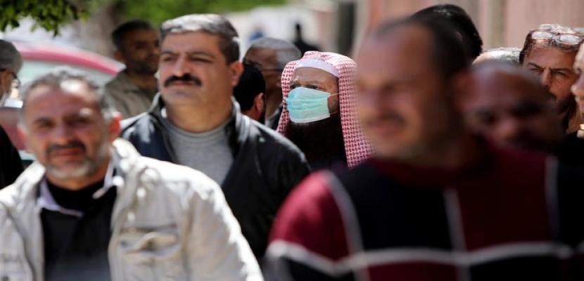 الحكومة الفلسطينية تقرر عودة موظفيها للعمل في المحافظات الخالية من إصابات كورونا