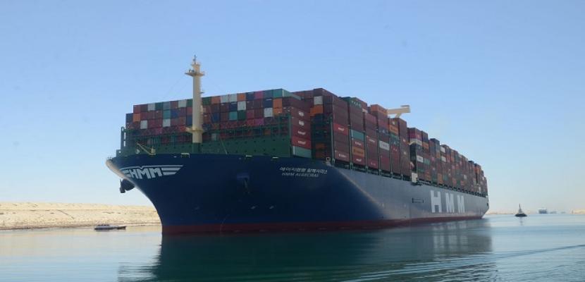 """بالصور.. قناة السويس تشهد عبور السفينة """"HMM ALGECIRAS"""" أكبر سفينة حاويات في العالم"""