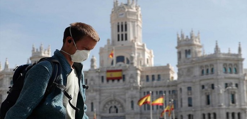 مدريد تتأهب للحد من حرية التنقل لكبح انتشار كورونا