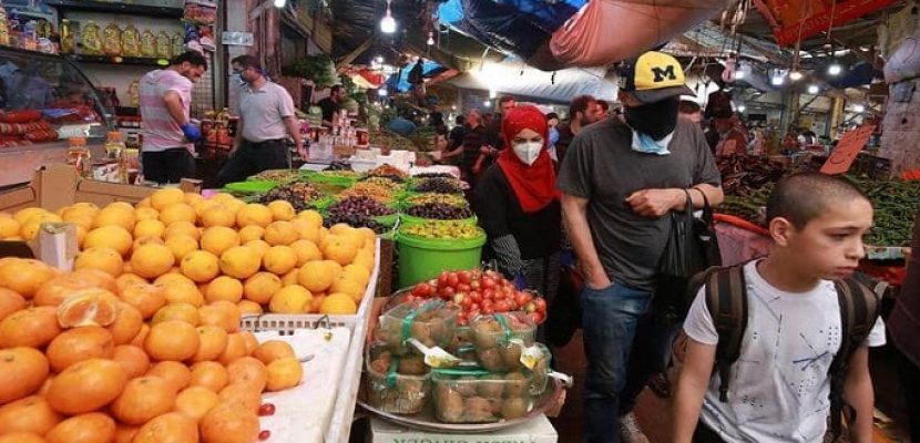 الموظفون الحكوميون يعودون لعملهم في الأردن بعد توقف لمدة شهرين