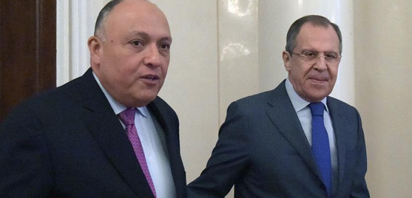 خلال تواجده في موسكو.. الوزير شكري يجري اتصالا بنظيره الروسي