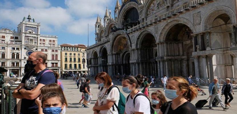 """إيطاليا تلزم الأفراد بتقديم """"الجواز الأخضر"""" من أجل التنقل بحرية بعد ارتفاع إصابات كورونا"""
