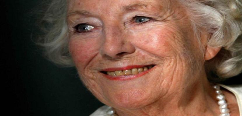 وفاة المغنية فيرا لين صوت الأمل في بريطانيا عن 103 أعوام