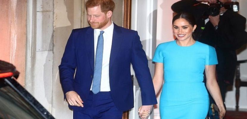 الأمير هاري وزوجته يرفعان شكوى بشأن صور لنجلهما التقطت خلسة