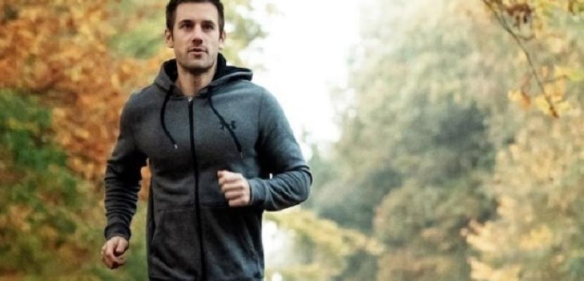 يشفى من آلام الركبتين عبر الجري لمسافة 5 كم يومياً لمدة شهر