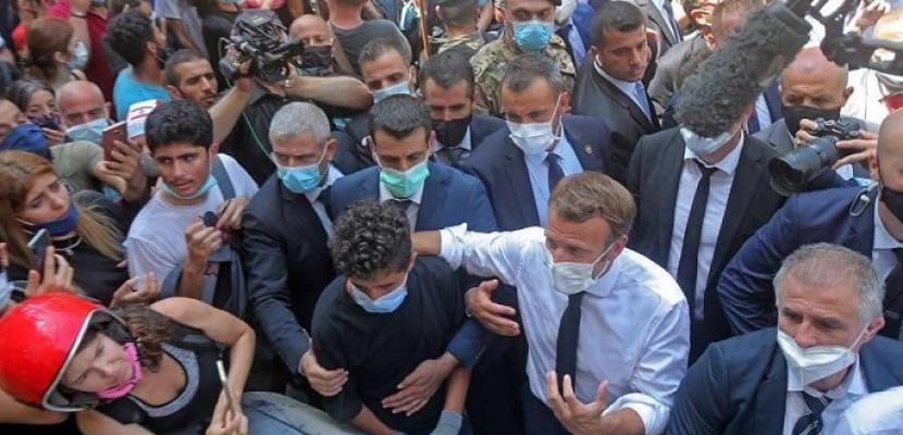 خلال جولته في الجميزة.. ماكرون : سأطرح مبادرة سياسية جديدة على اللبنانيين
