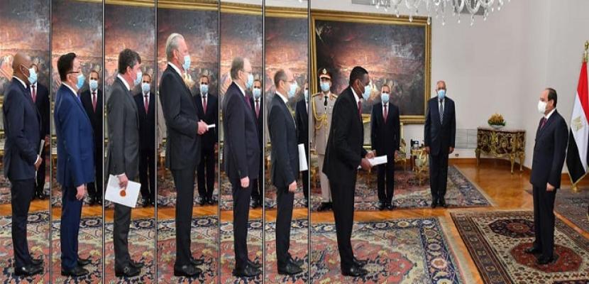 الرئيس السيسي يتسلم أوراق اعتماد 15 سفيراً جديداً بالقاهرة