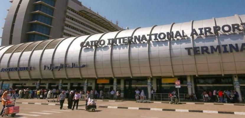 طائرة بمطار القاهرة تقلع براكبة واحدة .. تعرف على السبب!!