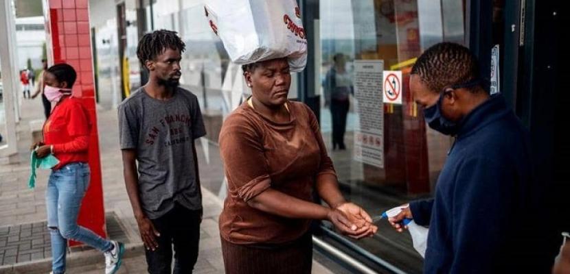 """نظرية """"مذهلة"""" لعدم تفشي كورونا وسط أحياء أفريقيا الفقيرة"""