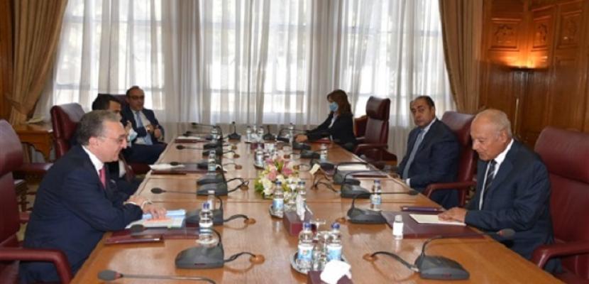 أبو الغيط يطلع وزير خارجية أرمينيا على التدخلات التركية بالشئون العربية