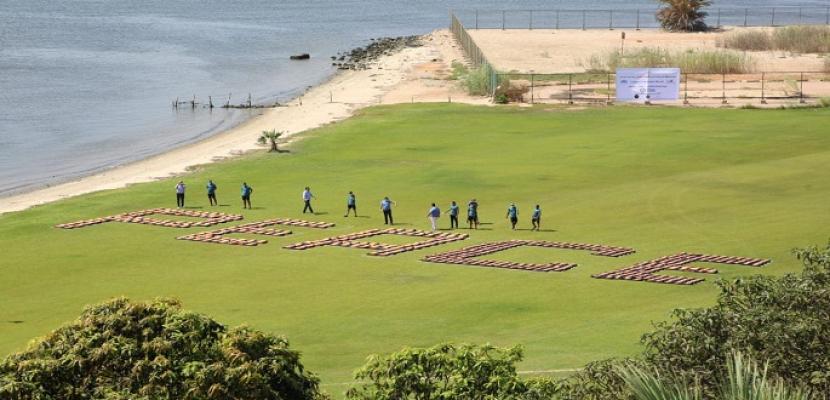 مصر تحقق رقم قياسى جديد بموسوعة جينيس بتصميم أكبر كلمة سلام على ضفاف قناة السويس
