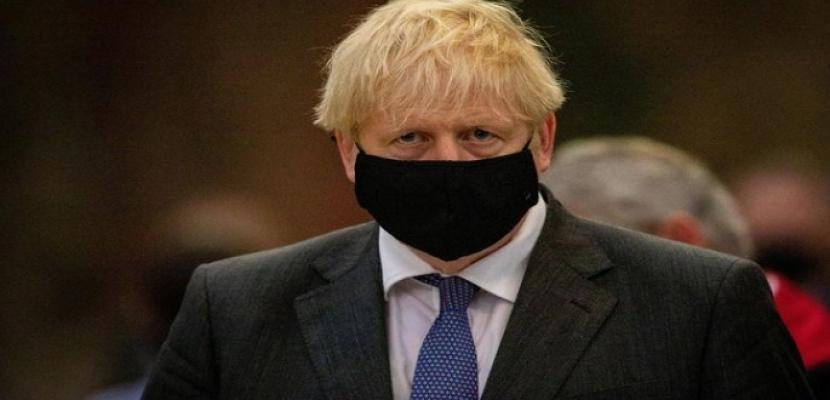 صحيفة: جونسون سيطلب من البريطانيين العودة للعمل من المنازل
