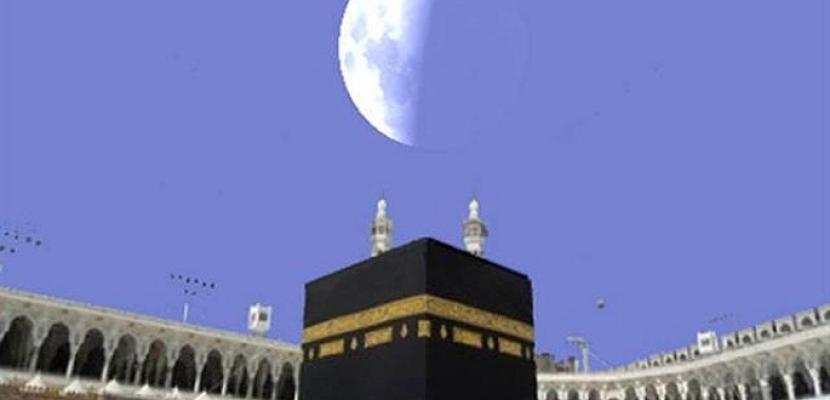 القمر يتعامد على الكعبة ويقترن بالزهرة الاثنين المقبل