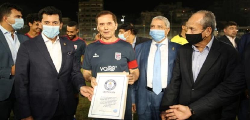 """وزير الرياضة: مصر تحصل على رقم قياسي بـ""""جينيس"""" بتسجيل أكبر لاعب بالعالم"""