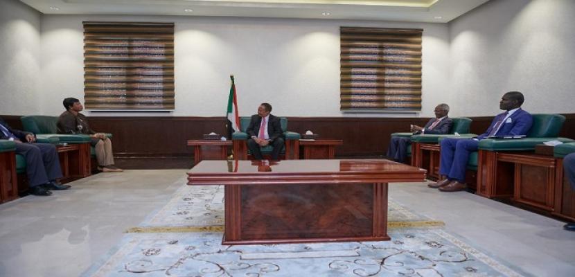 رئيس وزراء السودان يؤكد لوفد الجنائية الدولية التزام بلاده بتحقيق العدالة
