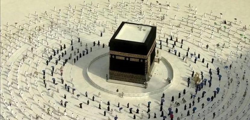 للمرة الأولى منذ سبعة أشهر.. السعودية تسمح للمواطنين والمقيمين بأداء الصلاة في المسجد الحرام