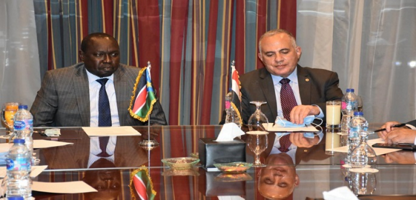 بالصور .. وزيرا الري في مصر و جنوب السودان يختتمان اجتماعات اللجنة الفنية  لمشروعات التعاون بين البلدين