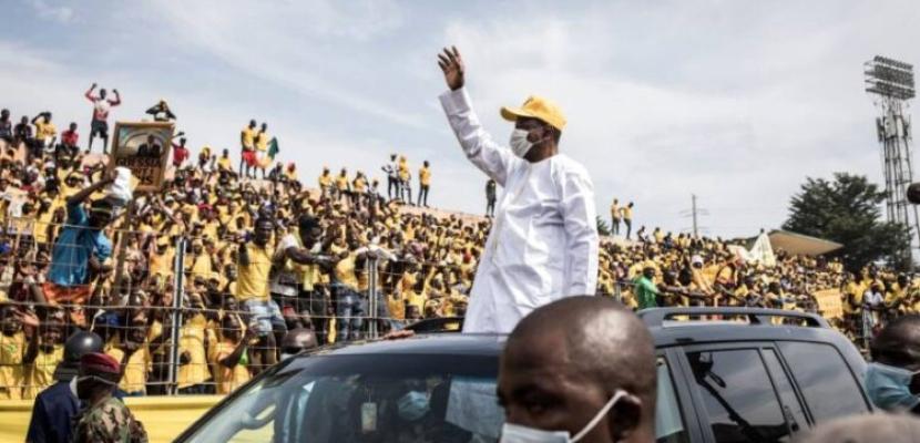 بدء الاقتراع في غينيا والرئيس يسعى لفترة ولاية ثالثة