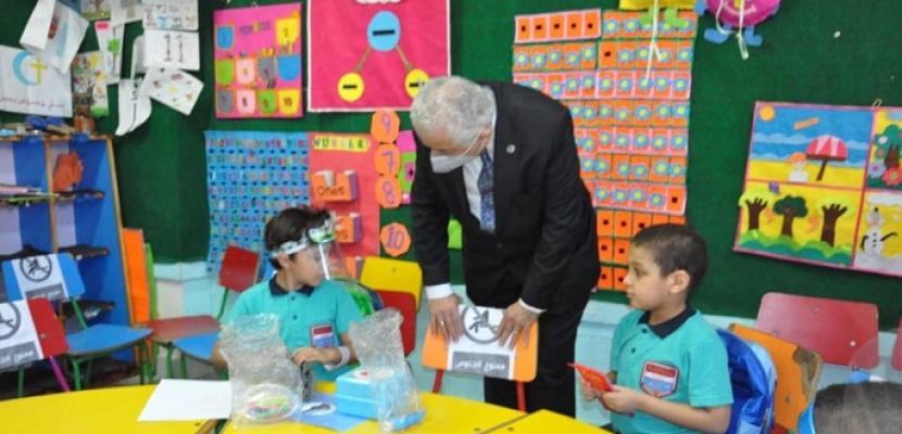 وزير التربية والتعليم والتعليم الفني يتفقد سير العملية التعليمية ويوجه بضرورة تطبيق الإجراءات الاحترازية