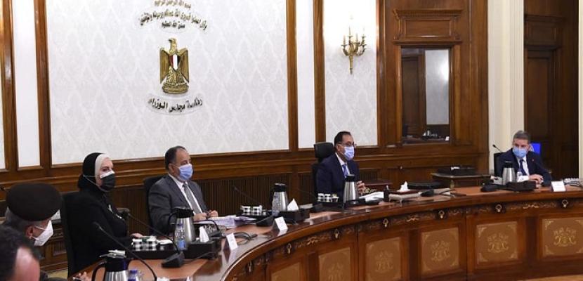 بالفيديو والصور.. رئيس الوزراء يُتابع خطوات تطوير صناعة الغزل والنسيج