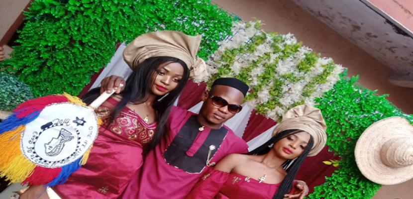 حفل زفاف توأمتين على رجل فى نيجيريا !!