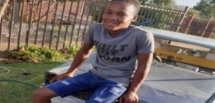 طفل من جنوب أفريقيا يحول الخردة المعدنية لسيارة أحلامه