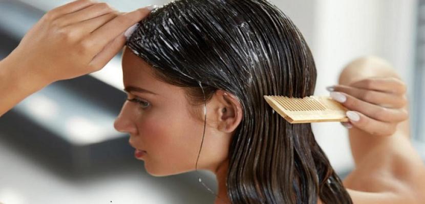 تعرفي على طريقة غسل الشعر بخل التفاح لشعر أكثر صحة