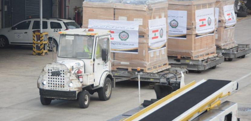 بالصور.. تنفيذا لتوجيهات الرئيس .. إرسال مساعدات ومستلزمات طبية على متن 3 طائرات عسكرية للبنان