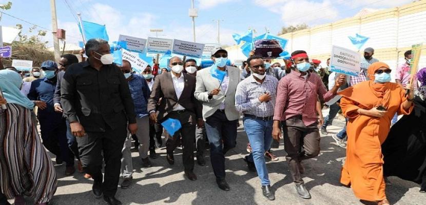 التوتر السياسي في الصومال ينفتح على سيناريوهات قاتمة