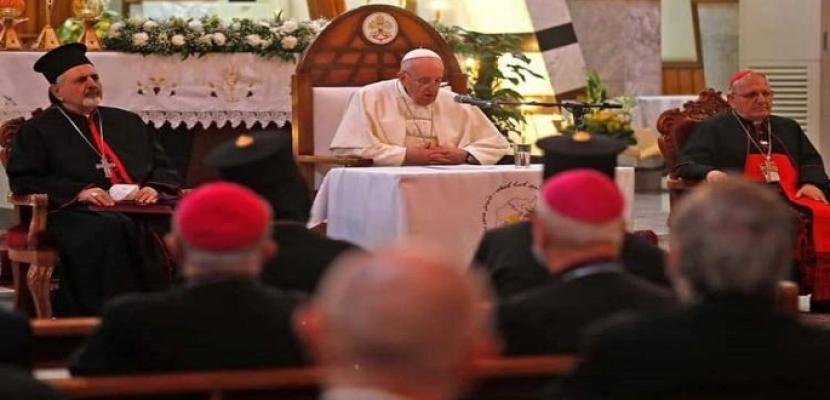 بابا الفاتيكان يحضر قداسا في كاتدرائية القديس يوسف ببغداد