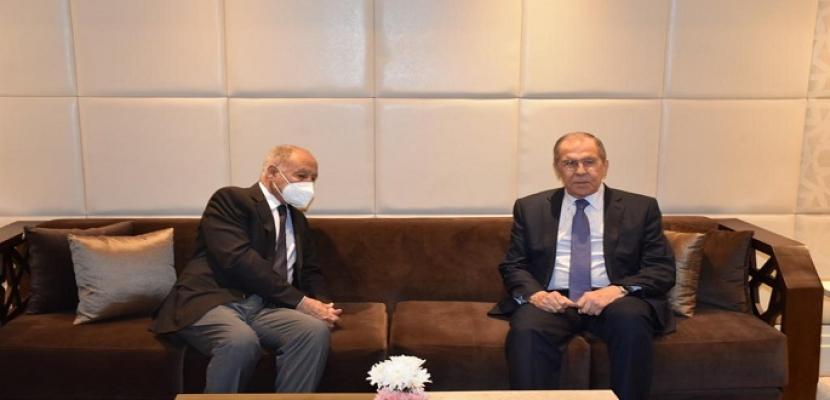 أبو الغيط ولافروف يبحثان قضايا إقليمية ودولية وسُبل تحقيق تسوية أزمات المنطقة