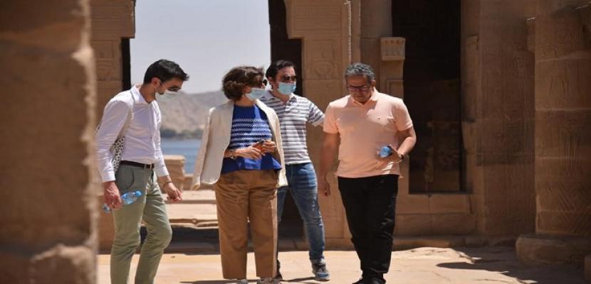 بالصور.. وزير السياحة ومدير عام اليونسكو يتفقدان أعمال تطوير السوق السياحي القديم بأسوان