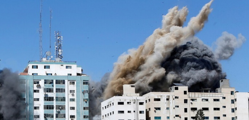 """على غرار برج """"الشروق"""" .. إسرائيل تدمر برج """"الجلاء"""" في غزة الذى يضم مقرات وسائل إعلام عالمية"""