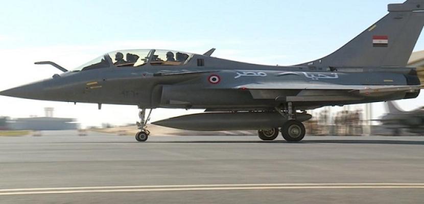 بالصور.. مصر وفرنسا توقعان عقد توريد 30 طائرة طراز رافال